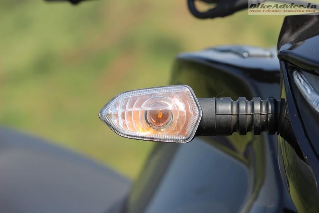 Mahindra-Mojo-Pic-indicator