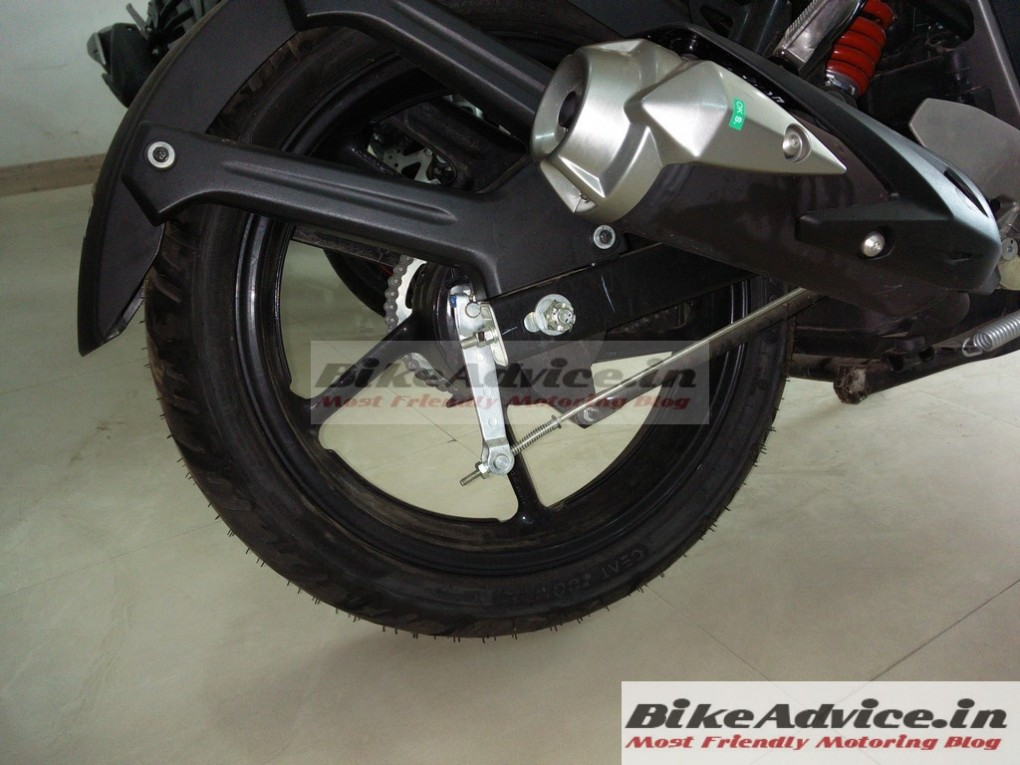 Yamaha fz v2 0 also offered with ceat zoom tyres for Yamaha fz back tyre price