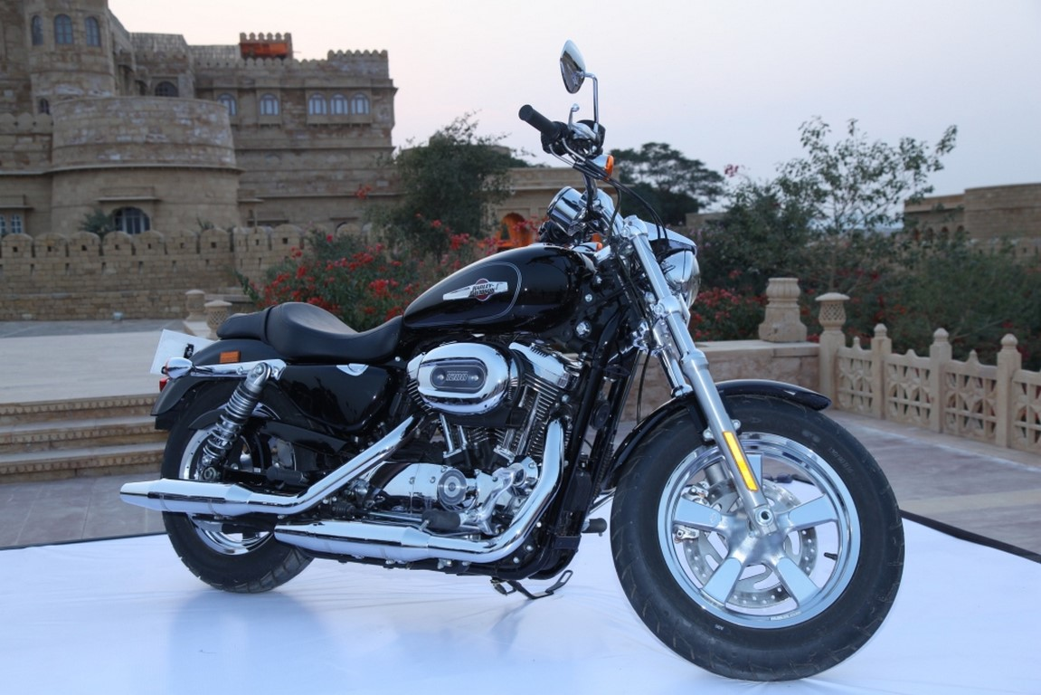 Harley Davidson Sportster  Custom Reviews