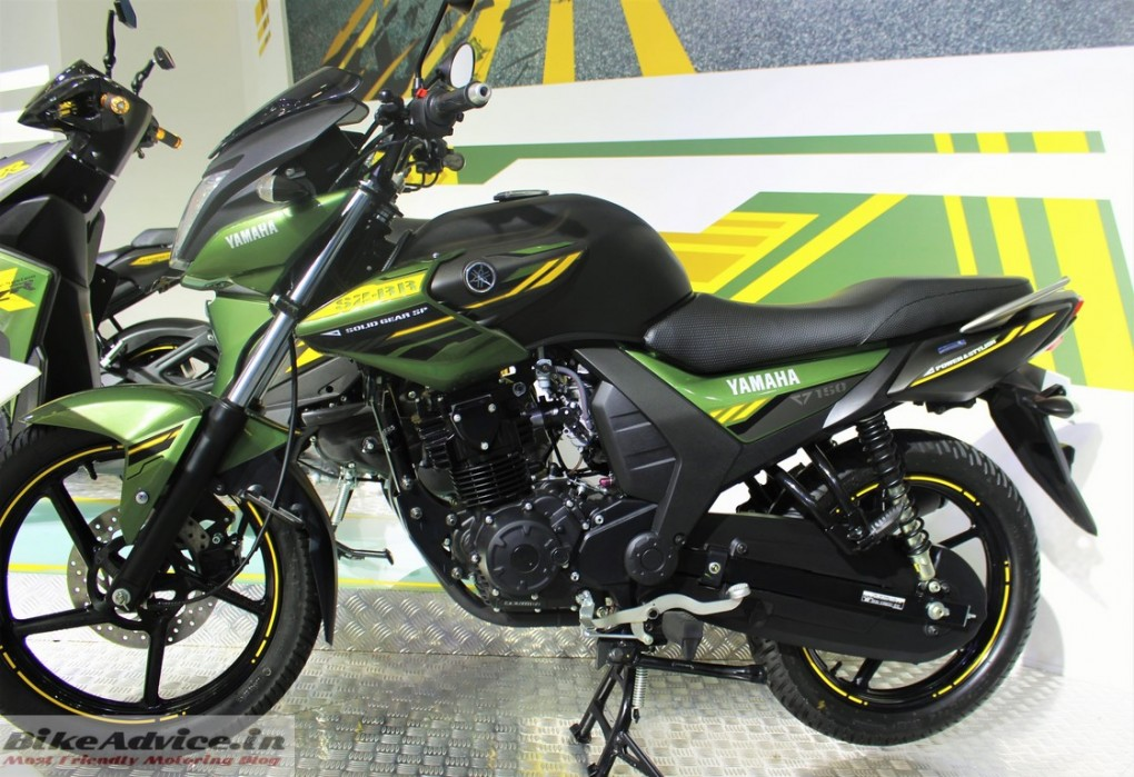 2016 Yamaha SZ-RR V2 Matt Green Colour Pic