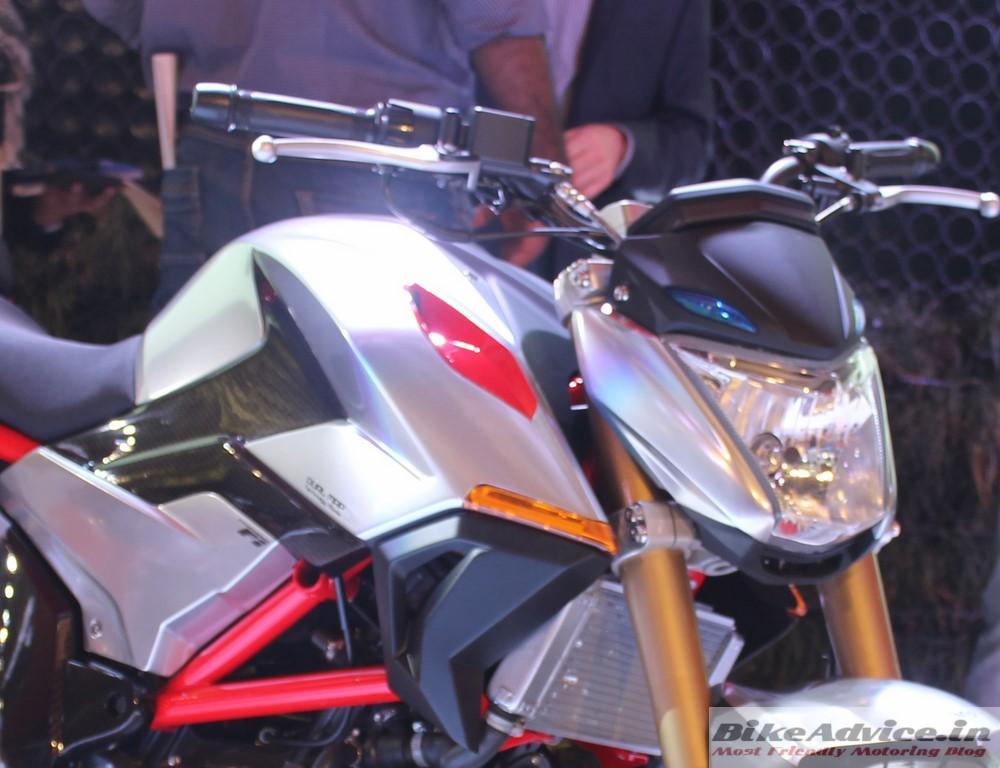 Hero-XF3R-Concept-300cc-Pic-Headlamp-Tank