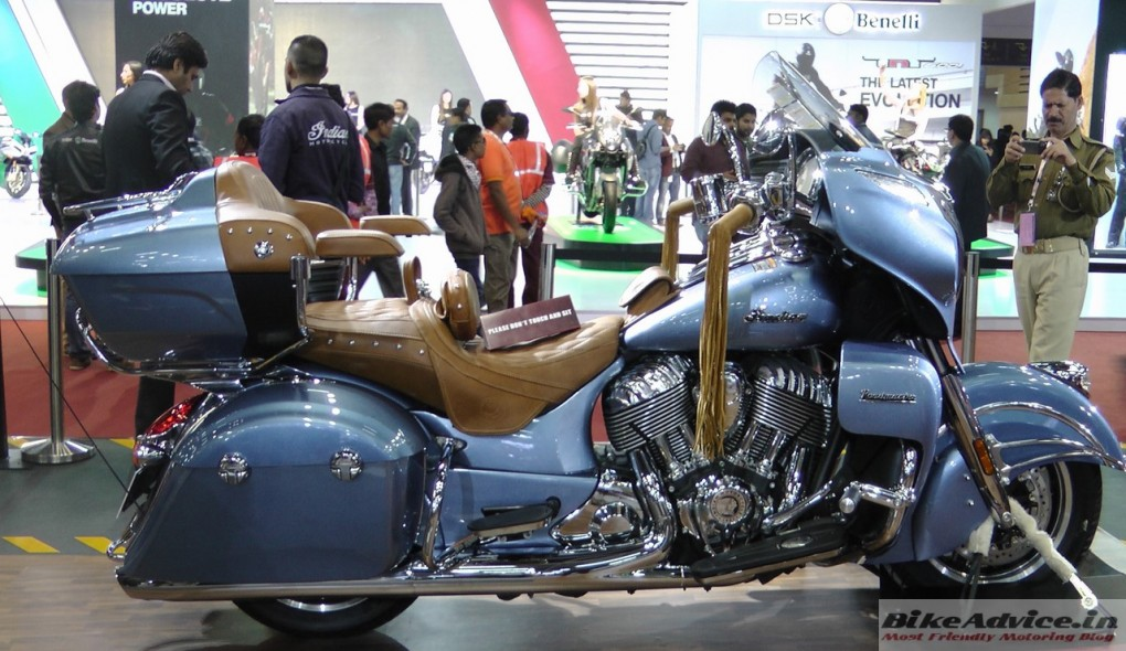 Indian-Roadmaster-Diamond-Blue-Pic-Auto-Expo (1)