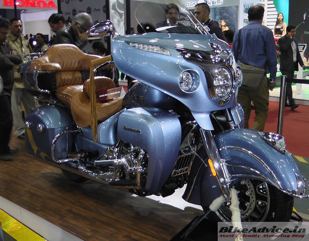 Indian-Roadmaster-Diamond-Blue-Pic-Auto-Expo (2)