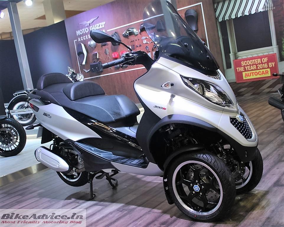 Piaggio MP3 Trike Auto Expo 16 Pic