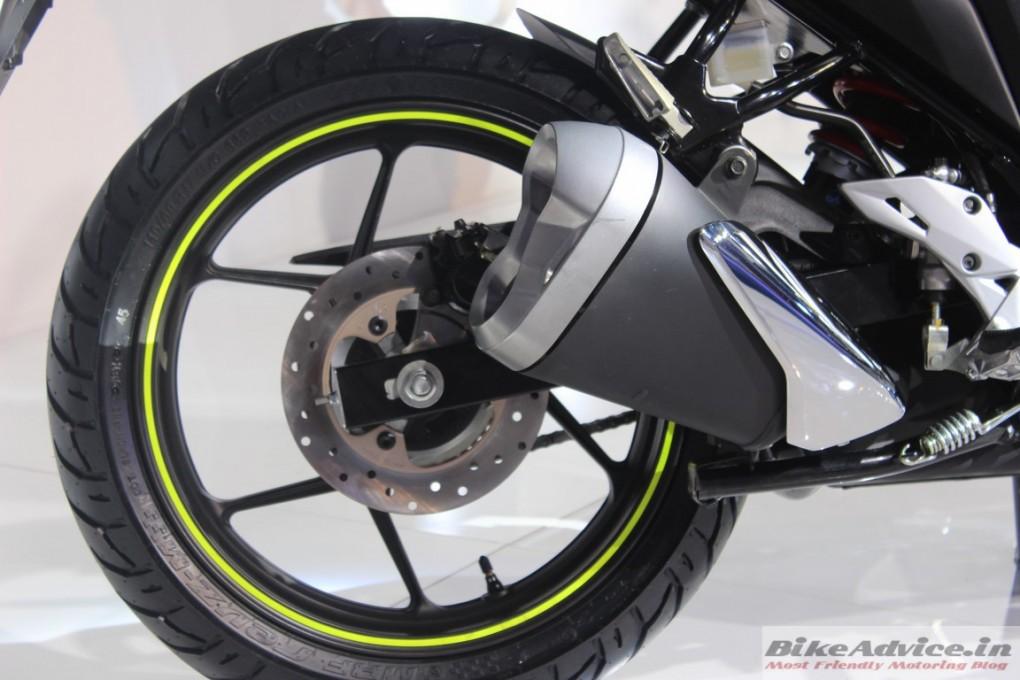 Suzuki-Gixxer-rear-Disc-Brakes (2)