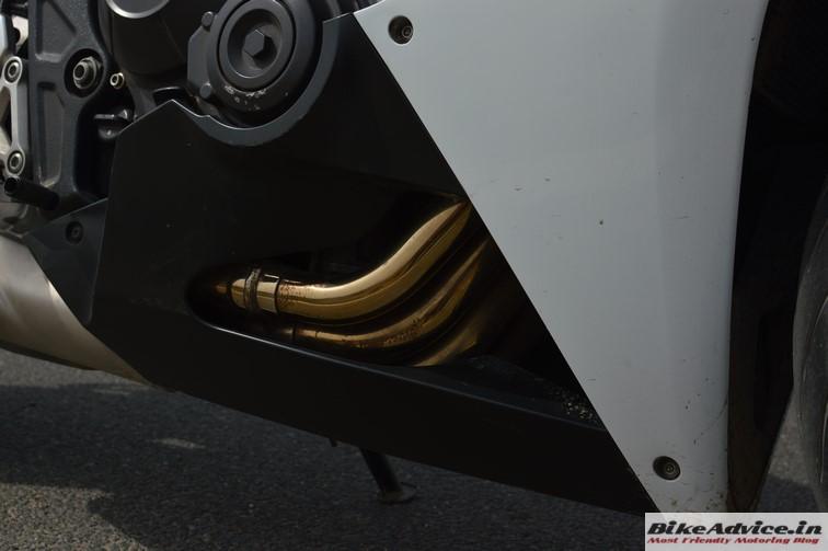 Honda CBR 650F exhaust pipes