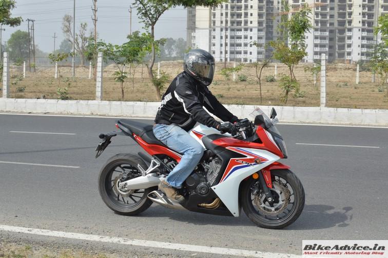 Honda CBR 650F motion 8