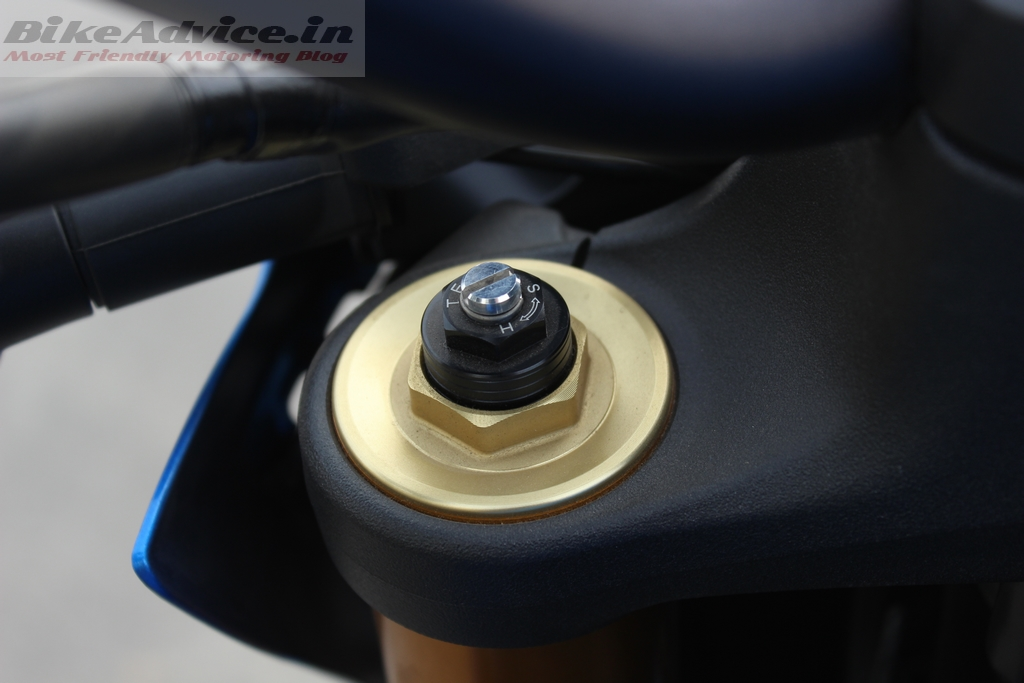 Suzuki GSX-S1000 adjustable front suspension