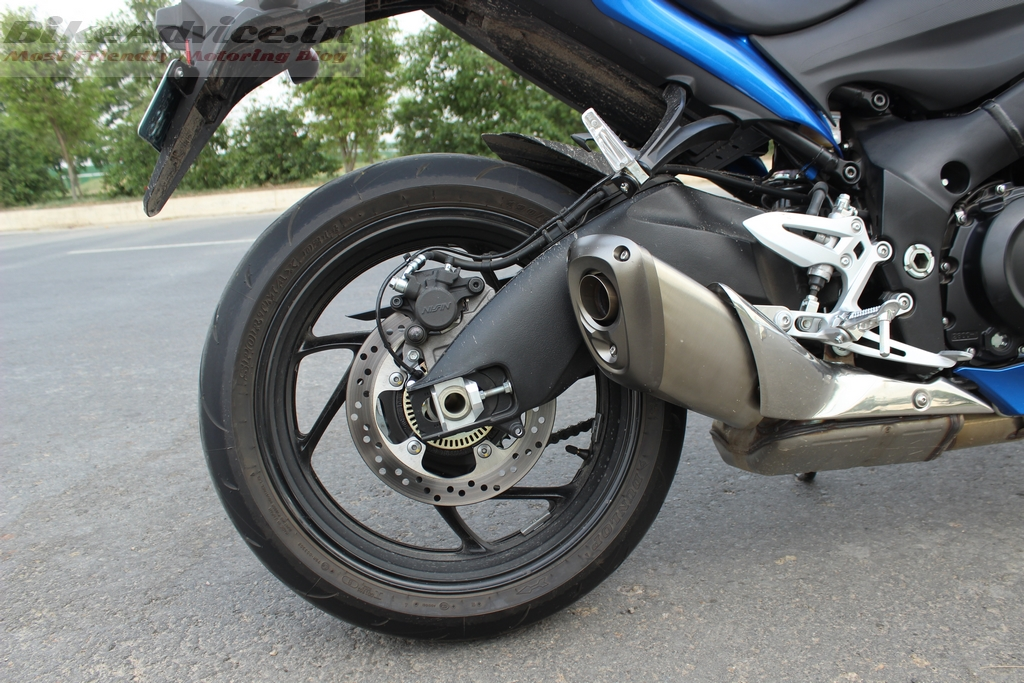 Suzuki GSX-S1000 swingarm and rear brake