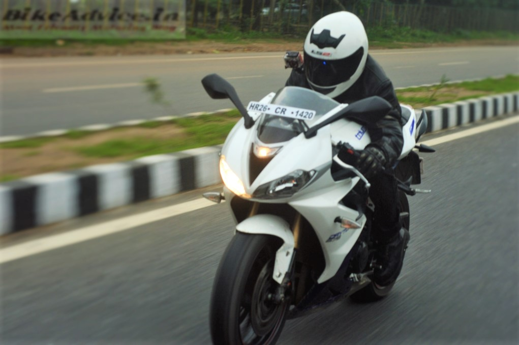 2016 Triumph Daytona 675 Review, Road Test: Top Speed, Performance ...