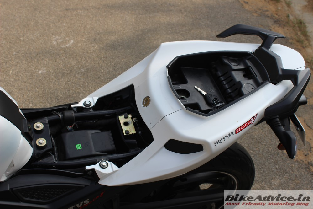 Superb Tvs Apache Rtr 200 4V Review Carb Pirelli Non Abs Gmtry Best Dining Table And Chair Ideas Images Gmtryco