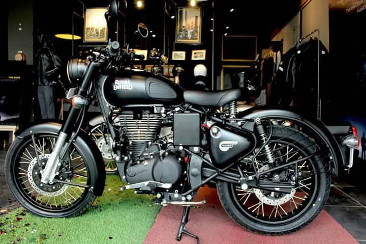 royal enfield classic 500 stealth black pics gallery. Black Bedroom Furniture Sets. Home Design Ideas