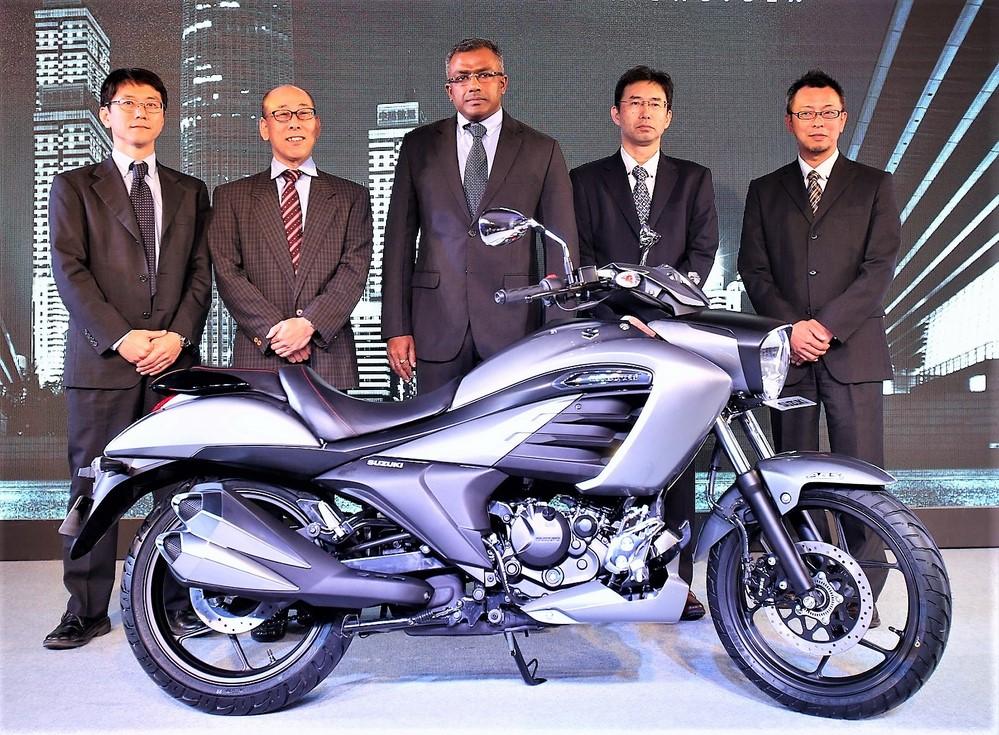 Suzuki Intruder 150 Launch Pics 1