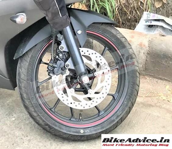 Yamaha R15 v3 pic
