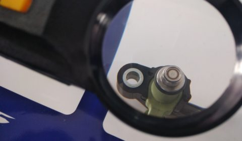 R15 V3 fuel injector