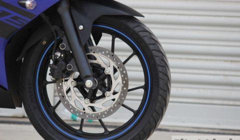 Yamaha YZF-R15 V3 front brake