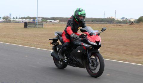 Yamaha YZF-R15 V3 top speed