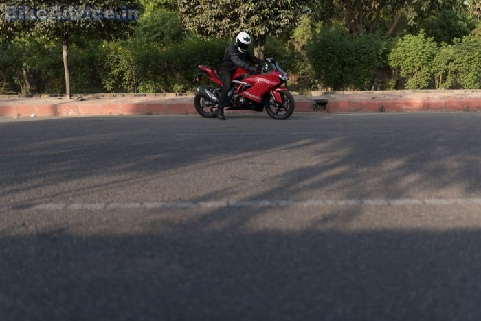 TVS Apache RR 310 review weight