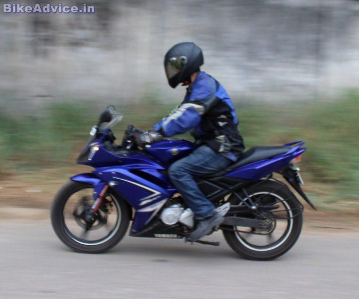 Yamaha YZF R15 V1 acceleration