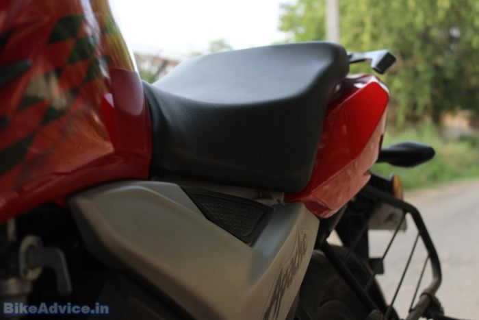tvs apache rtr 160 4v review seat comfort