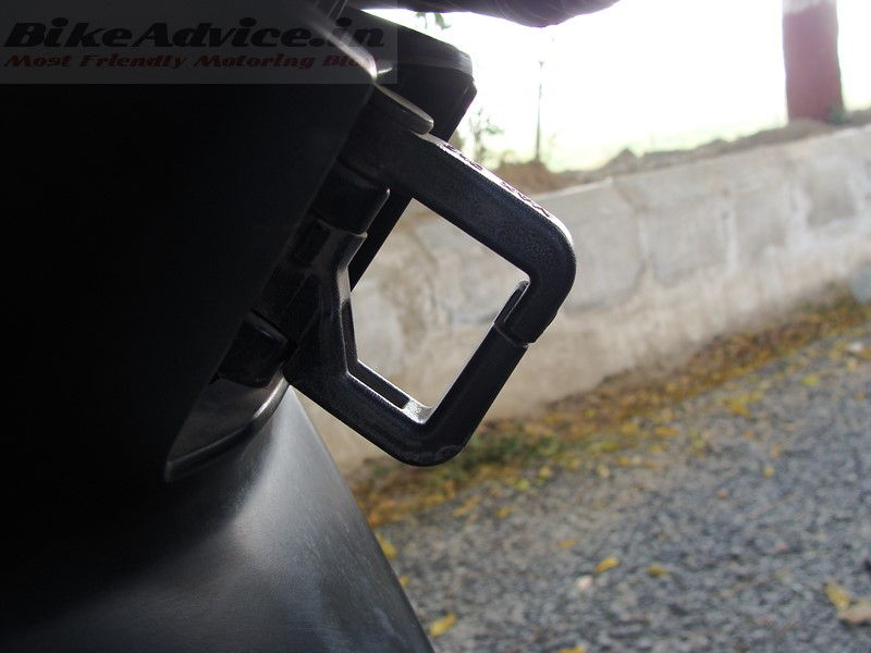 NTorq-luggage-hook-capacity