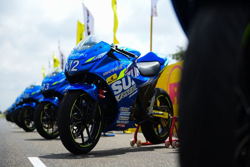 Gixxer SF 250 race bike
