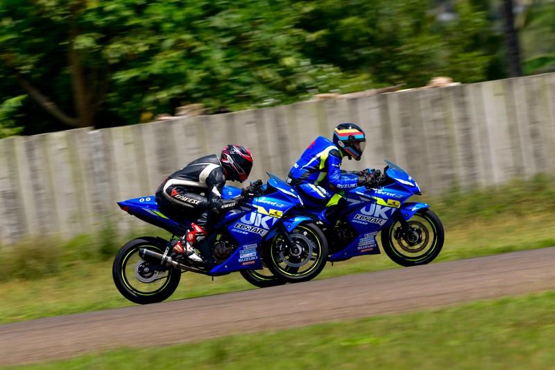 Duke 250 vs Gixxer 250