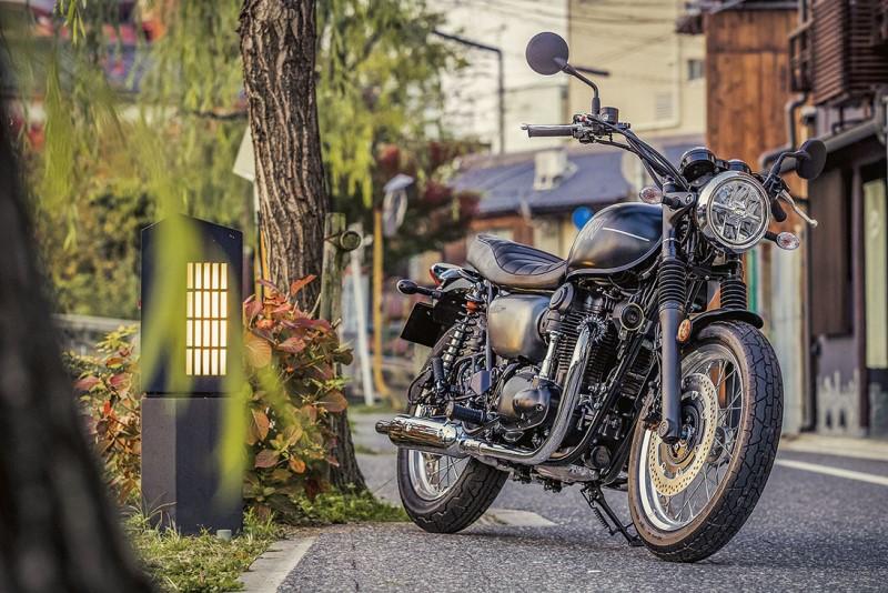 Kawasaki W800 BS6 Price